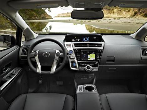 2015_Toyota_Prius_v_004_64325_2524_low
